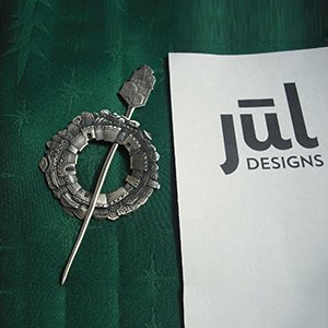 SP51 Walled Indian City Shawl Pin